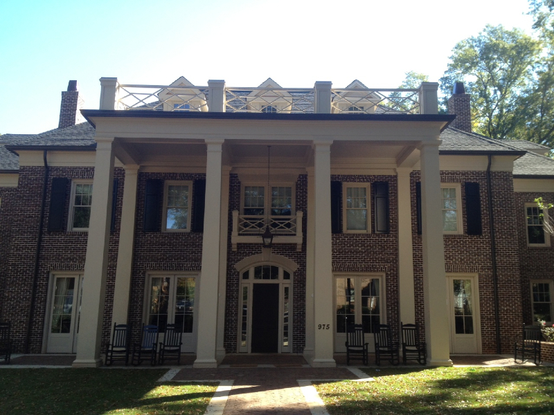 chi-phi-house-entrance